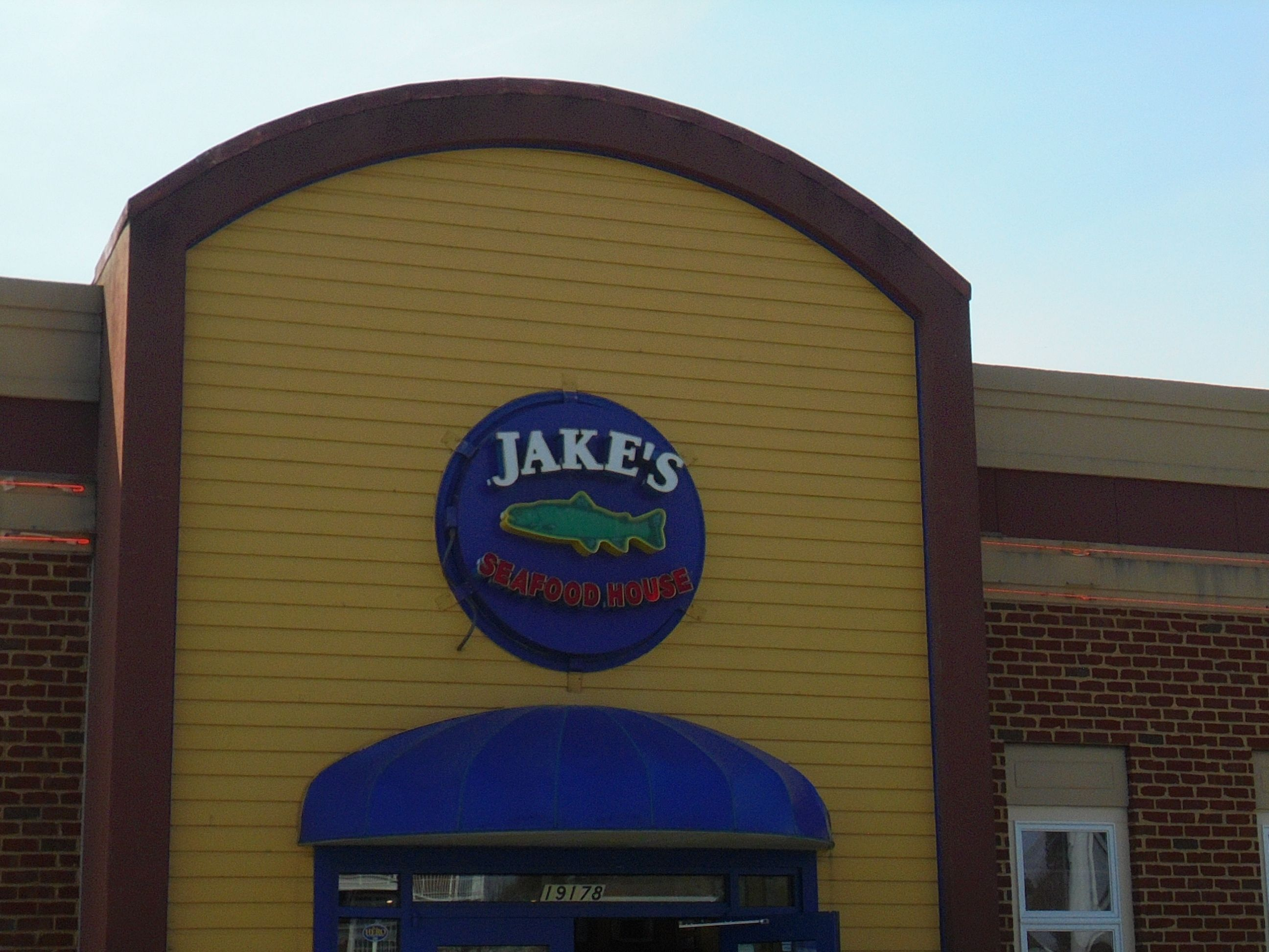 #servicewithasmile @ #jakesSeafoodHouse #RehobothBeachDelaware #RehobothBeach - http://www.drewrynewsnetwork.com