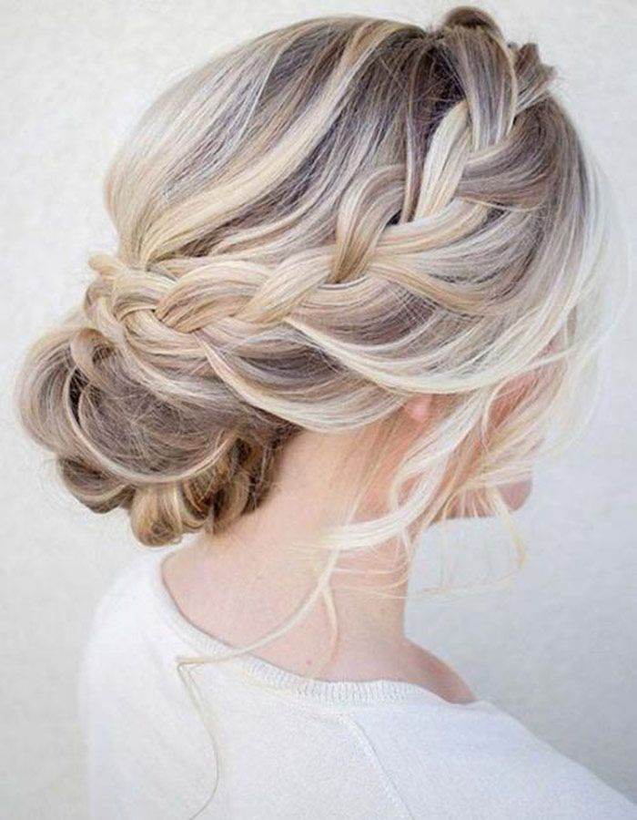 These Hairstyles Were Made For A Breezy Beach Wedding Beach