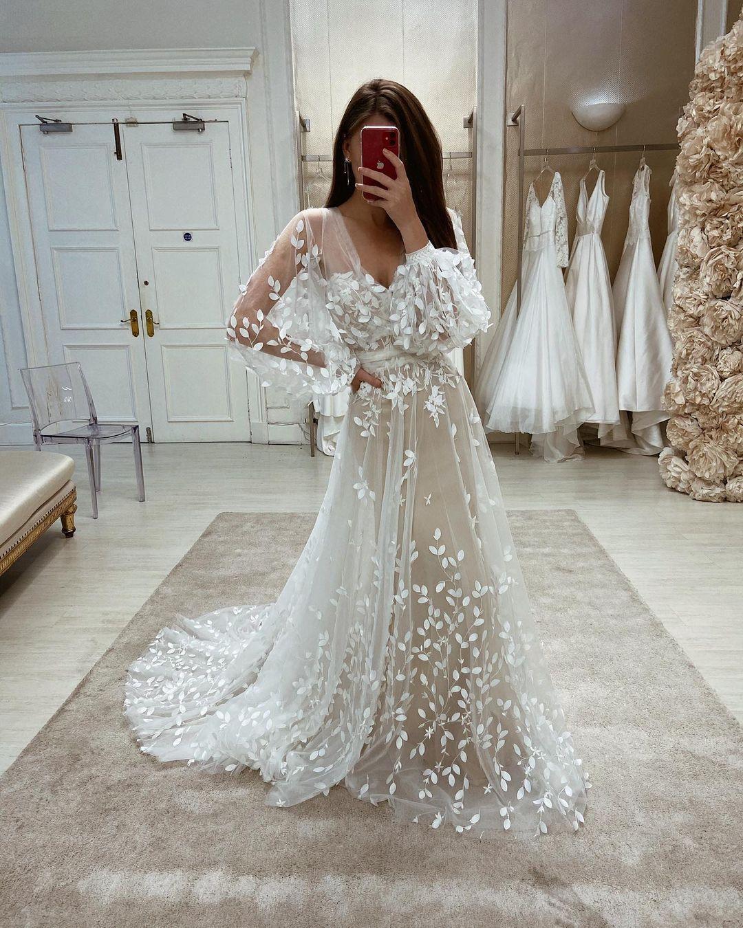 Eleganza Sposa Wedding Dresses 2021 In 2021 Modest Wedding Dresses With Sleeves Long Sleeve Wedding Gowns Wedding Gowns With Sleeves [ 1350 x 1080 Pixel ]