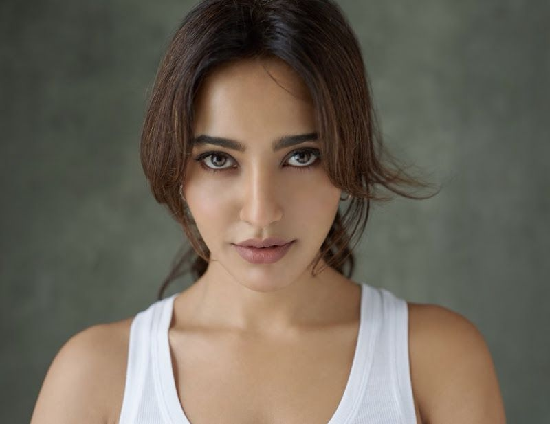 Neha Sharma 2018 Latest Images And Wallpapers Download