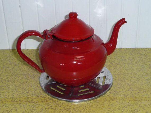 NICE Vintage Enamel Tea Pot Kettle Tomato Red by NewLIfeVintageRVs, $18.00