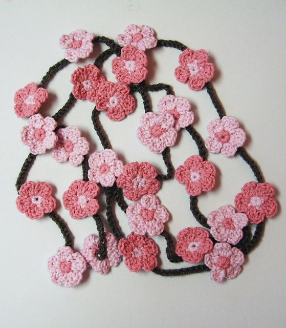 Cherry blossom crochet, would make a lovely decorative garland ...