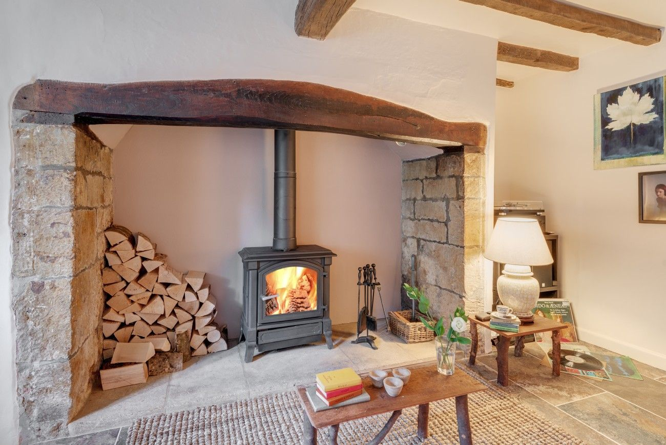 Romantic lovenest in Stoke Abbott, Dorset for discerning couples ...