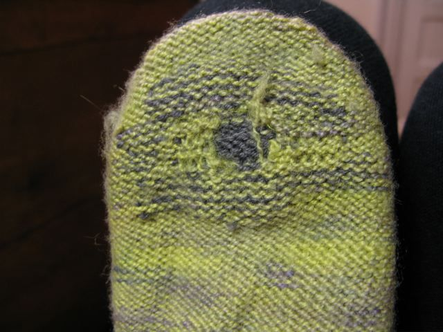 Darning Socks (Streets and YOs) | Knitting/Sewing | Pinterest | Stricken