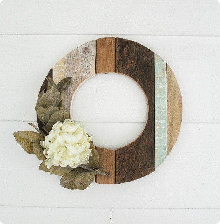 Photo of How to make a rustic fall wreath from reclaimed wood – Lovely Etc.