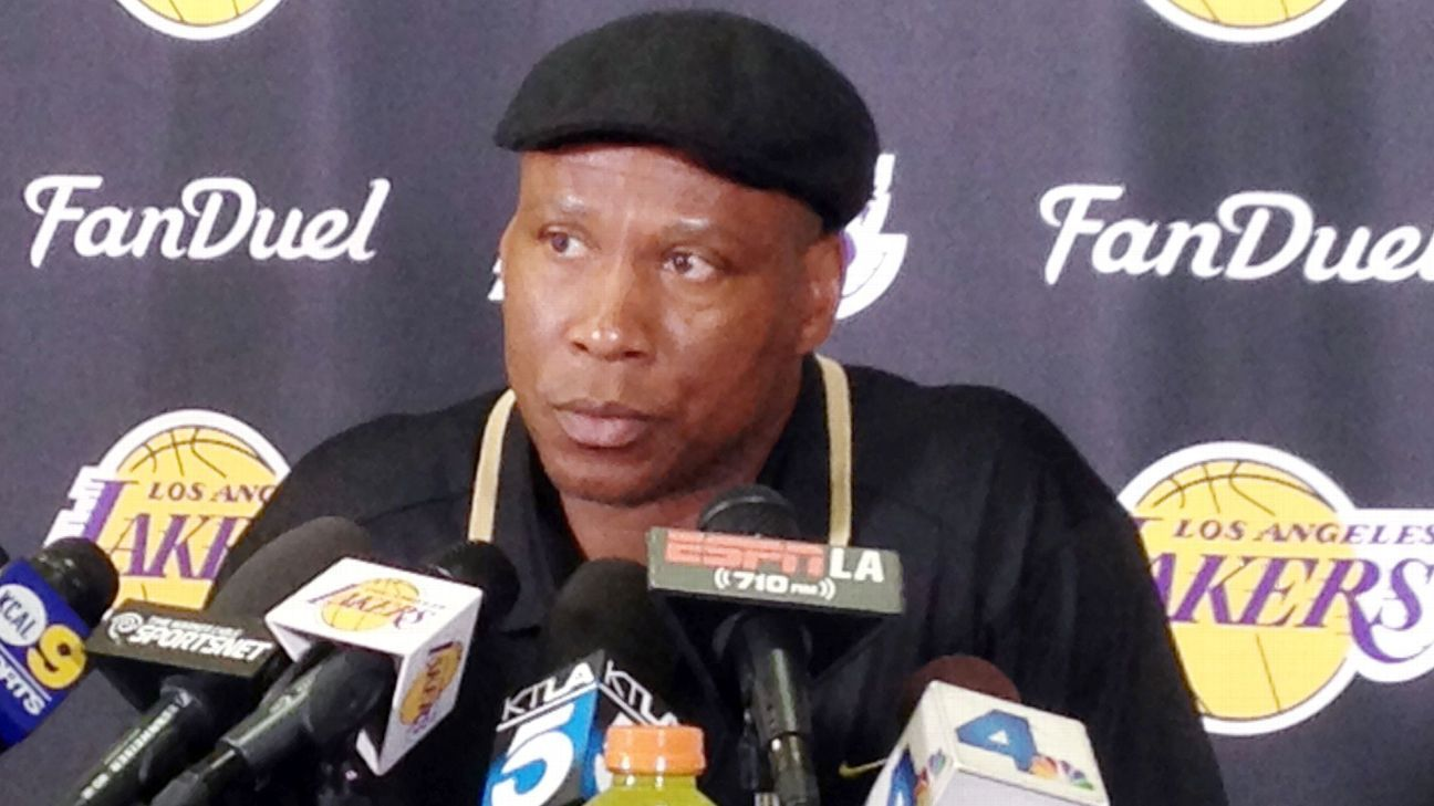 Byron Scott out after Lakers-worst 17-65 season