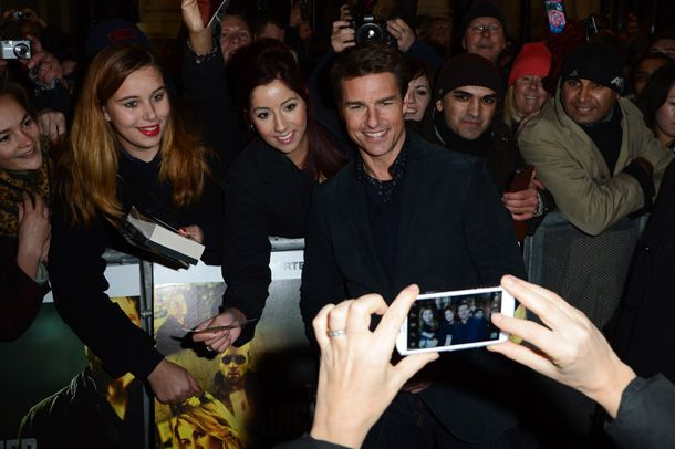 Tom Cruise back in action as he attends first premiere since divorce