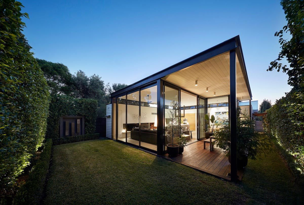 Architettura Case Moderne Idee californian bungalow renovation enabled light to be captured