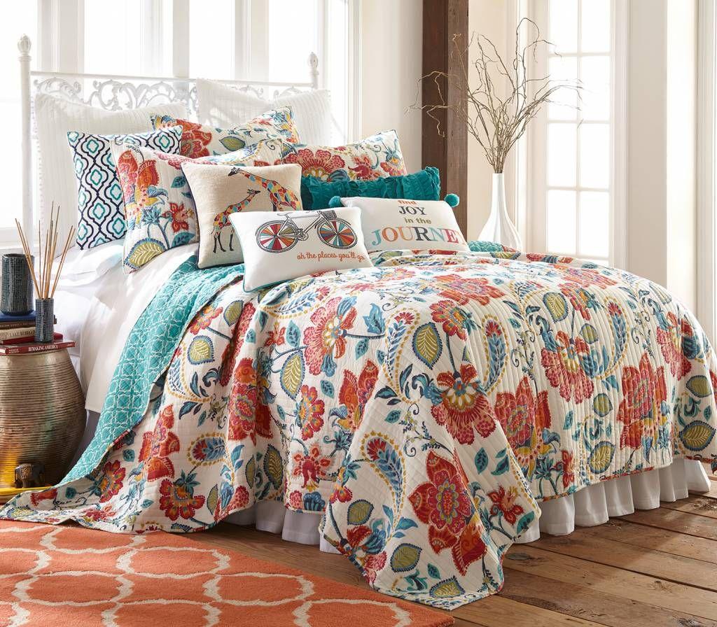 Home Decor Stores Utah: Layers Beautiful Bedding At Gardner Village