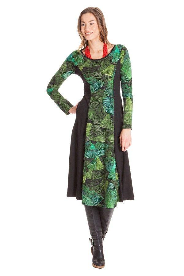 3fe25c821fac Fin, långärmad klänning i underbar färgsättning i skön, elastisk 100%  bomullstrikå.