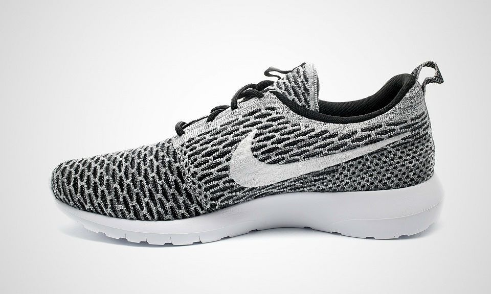 Nike Roshe Courir Maille Londres Blanc Or Noir Peu De Frais