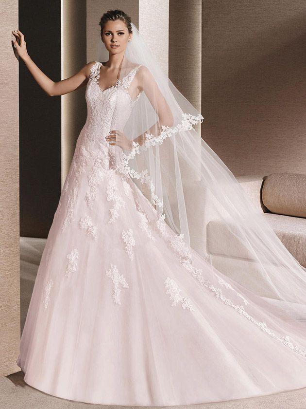 Brautkleider von Europas Top-Marken wie Pronovias, Cymbeline ...