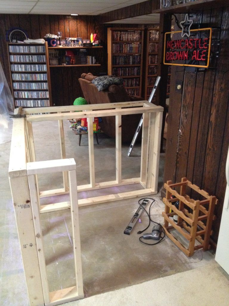 Bar frame | Pallet bar diy | Pinterest