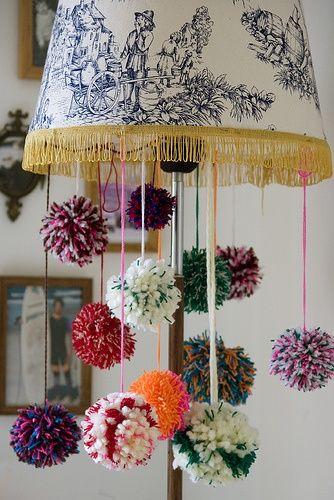 Manualidades con pompones que te van a enamorar - http://decoracion2.com/manualidades-con-pompones-que-te-van-enamorar/61349/ #Decoración, #IdeasParaDecorar, #Manualidades #Estilos, #Manualidades