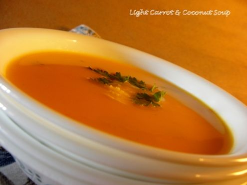Honestcooking.it - Una zuppa leggera di carote e di cocco