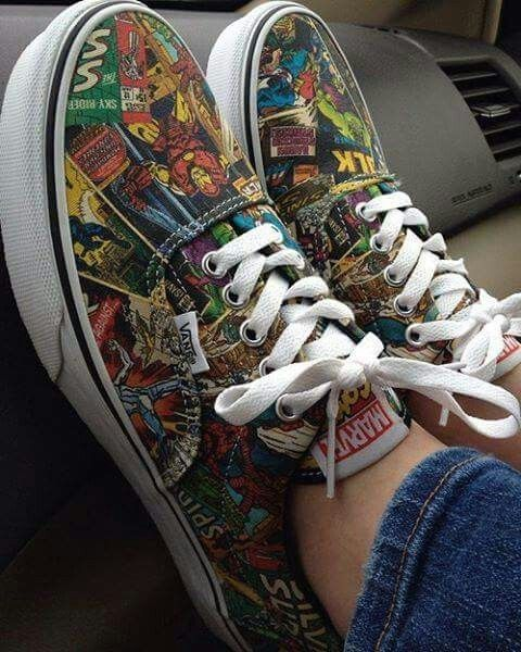 Vans x Marvel Authentic Marvel Women Black & White Skate