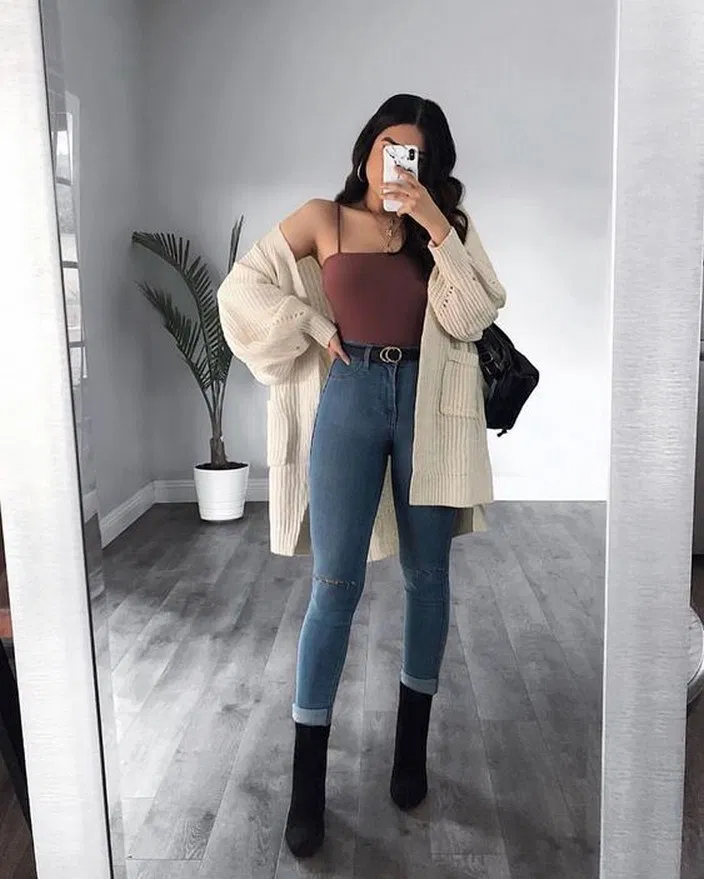 22 Cute Spring Outfits That Will Make You Say Wow #springoutfits #cutespringoutfits #springoutfitideas - hariankoransuara #cuteoutfits