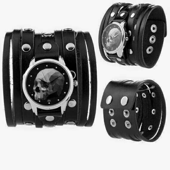 Skull  Wristband ~ Superb △