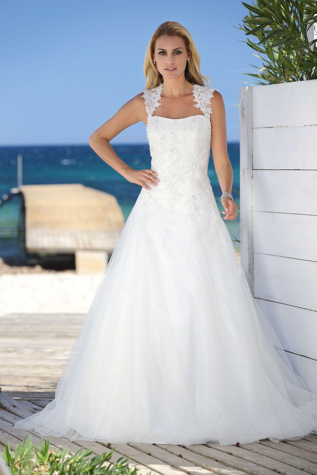 Brautkleid aus der Ladybird Brautmoden Kollektion 2015 | Hochzeit ...