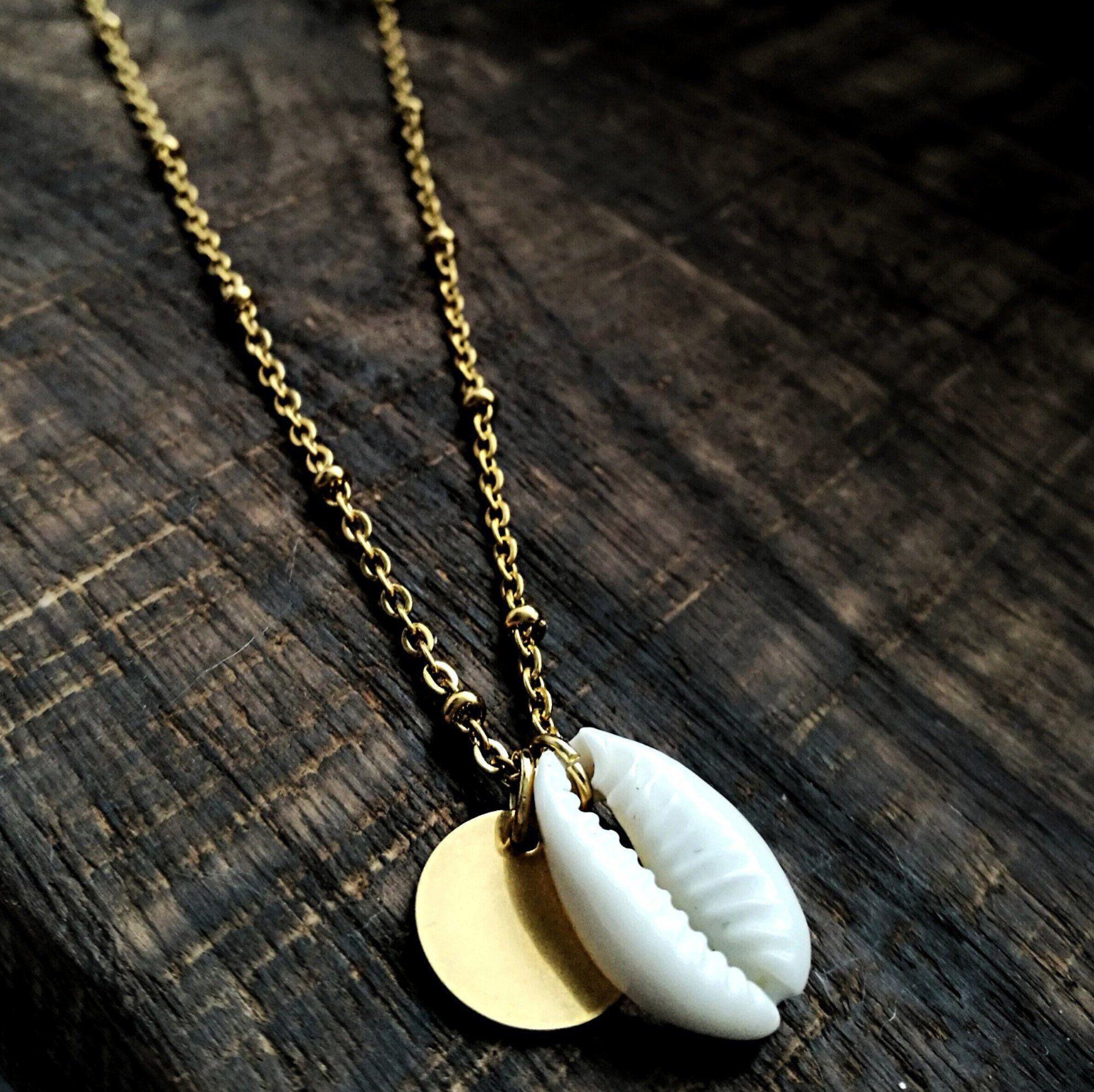 Personalisierte Kauri Muschel Kette in Gold oder Silber aus