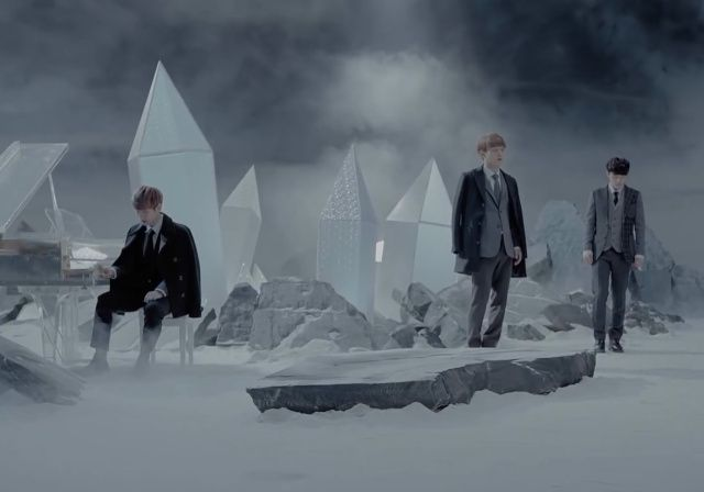 #EXO Miracles in December