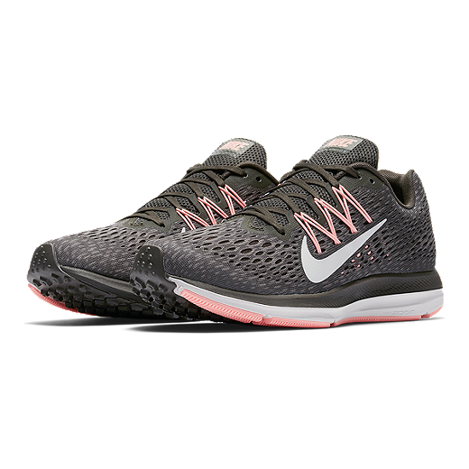 premium selection c5eda 8dff8 Nike Women s Air Zoom Winflo 5 - Gray Pink White - NEWSPRINT WHITE