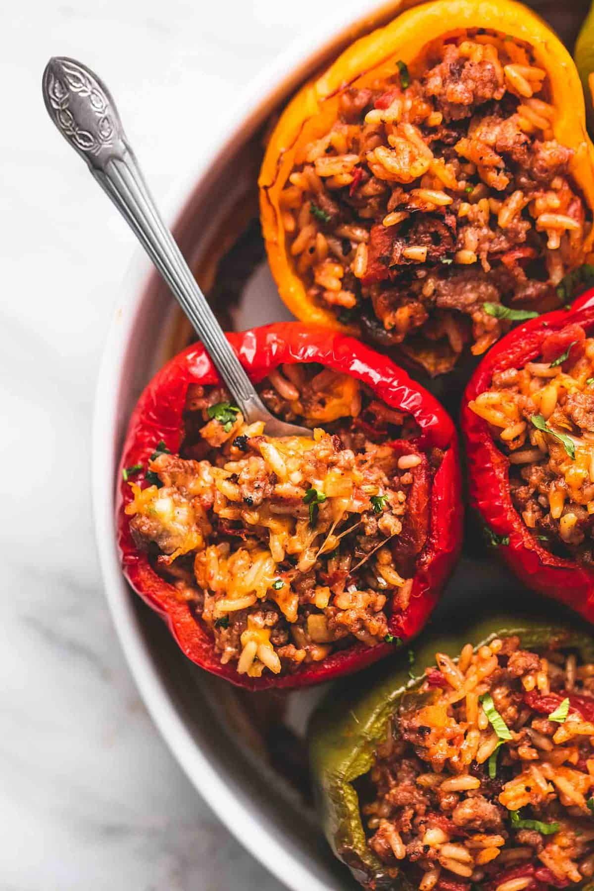 Easy Cheesy Sausage And Rice Stuffed Bell Peppers Just Five Ingredients And Ready In 20 Minutes For The P In 2020 Stuffed Peppers Easy Stuffed Peppers Beef Recipes