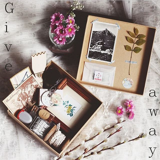 #tinasosnagiveaway This beautiful and nostalgic soul weaves magic with the gorgeous things she finds and creates...I would love to win this bundle of wonder and treasure ✨