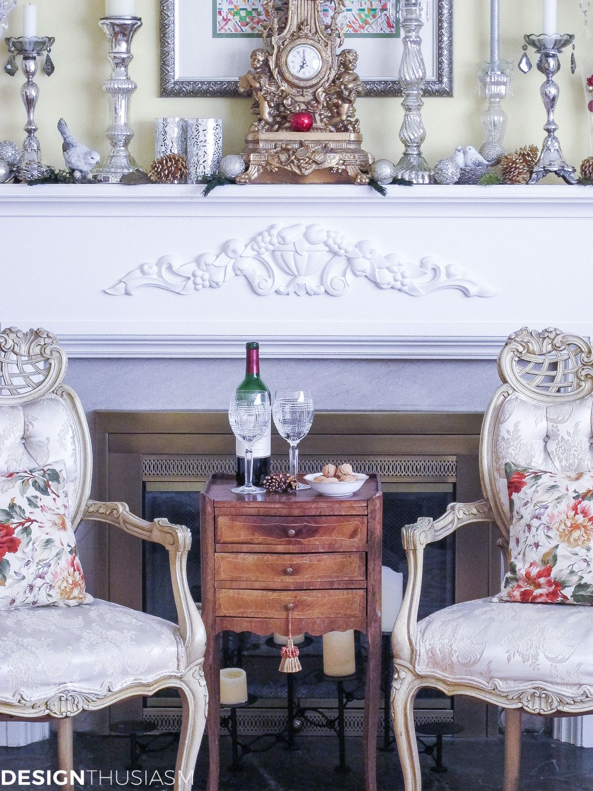 Holiday mantel i love mixing gold and silver for an elegant christmas mantel if you enjoy a bit of glamour check out this chic holiday decor