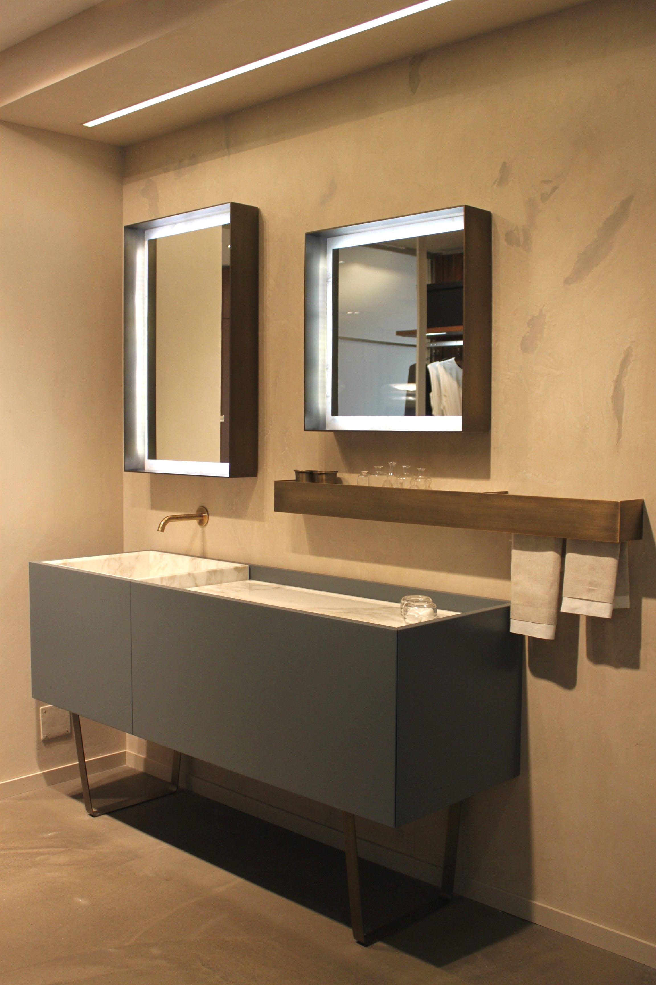Idea de Cocinas Moretti en Showroom Moretti | Baño ...