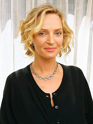Uma Thurman S New Role The Face Of Parfums Givenchy S New Fragrance Short Hair With Layers Blowdry Styles Hair Styles