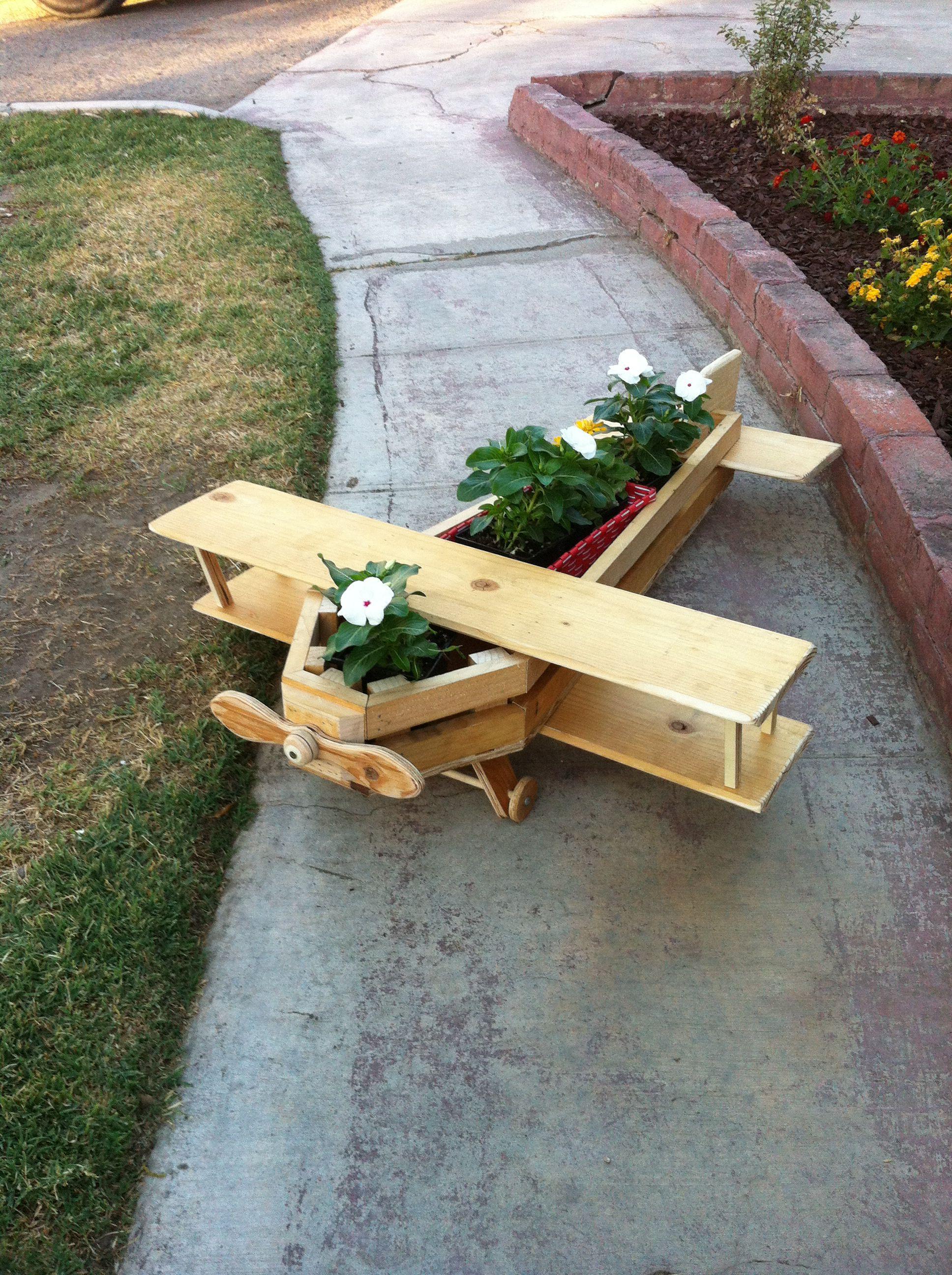Airplane planter Wooden garden, Wood planters