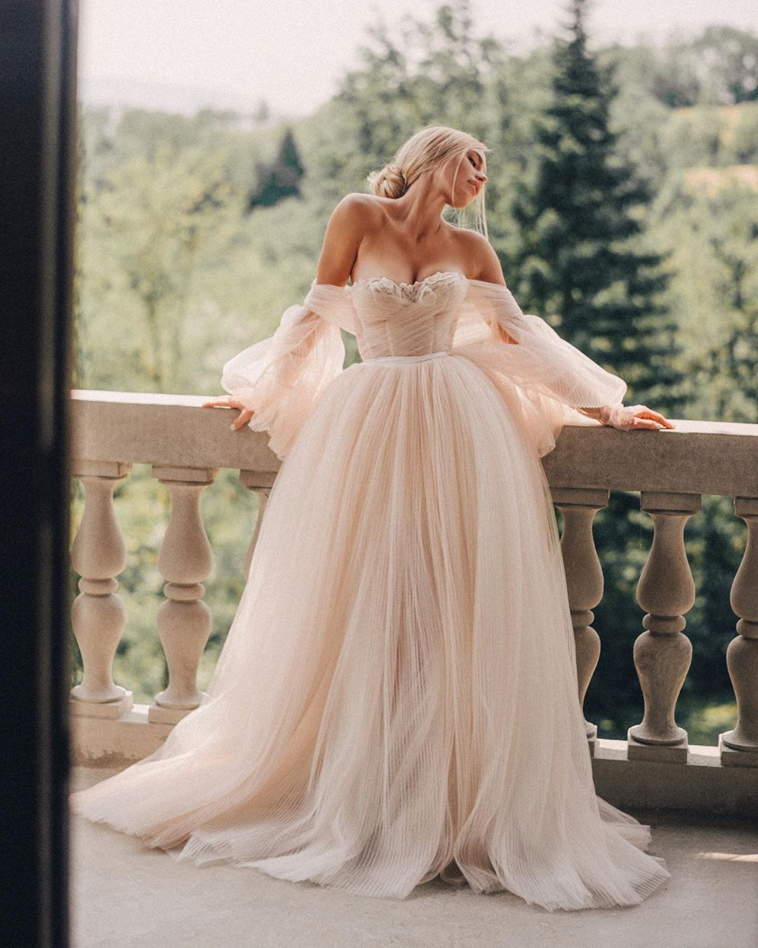 A Fairytale Princess In Her Tower Glbride Supermasik Looking So Dreamy In Our Bellina Puff Slee Wedding Dresses Boho Wedding Dress Dream Wedding Dresses [ 1350 x 1080 Pixel ]