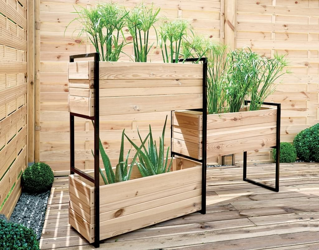 Moderner Materialmix Aus Holz Und Metall Transparente Kesseldruckimpragnierung Vielseitig Einsetzbar Z Blumenkasten Pflanzenregale Raumteiler Pflanzen