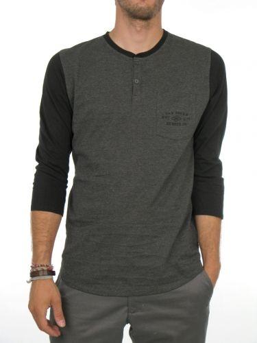 3b7b35f559f5e Manning Henley 3 4 Sleeve T-Shirt for men by Vans 100% Cotton Model is  wearing a size Medium