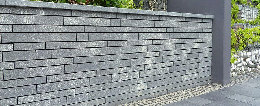 Mauersystem Fur Stutzende Mauern Schmale Elegante Linienfuhrung Durch Eine Schattenfuge Cleantop Schutz Cf 90 Mauer Mauersysteme Garten