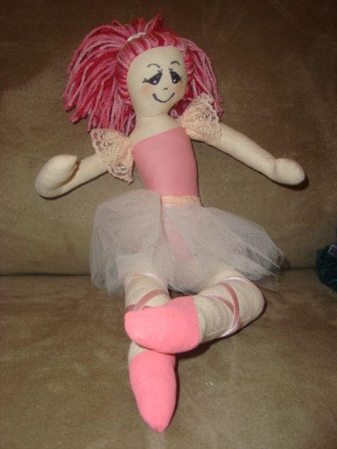 Bailarina de pano que fiz para a Sofia