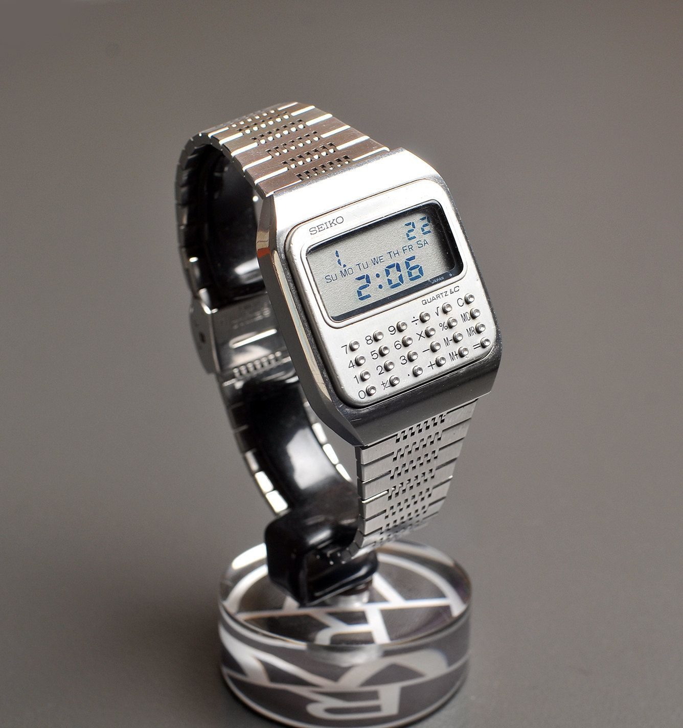 b5785ebad37e vintage Seiko C153 5007  vintage calculator watch  rare futuristic ...