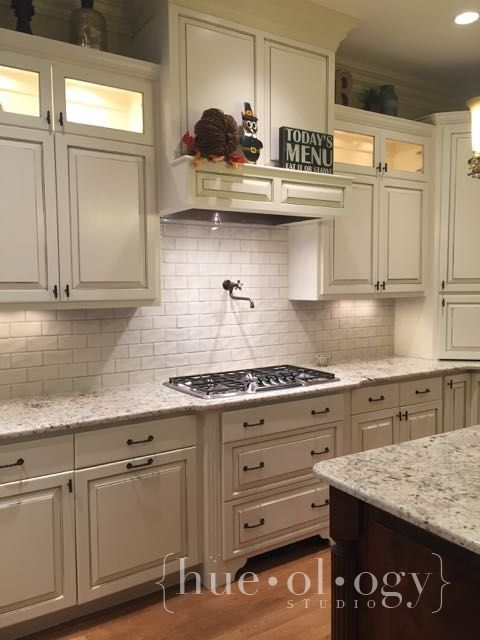 Kitchen Slightly Creamy White Sherwin Williams Navajo White And