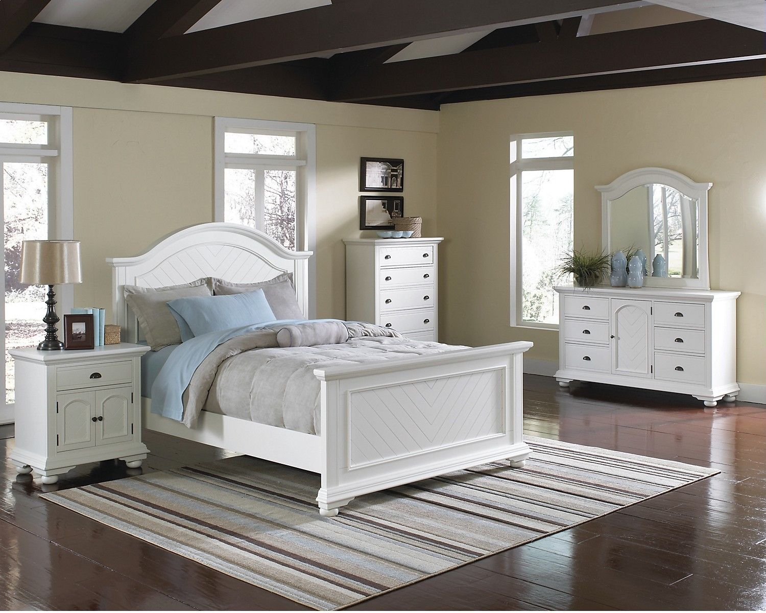 Kids Furniture Brook Off White 6 Piece Queen Bedroom Package