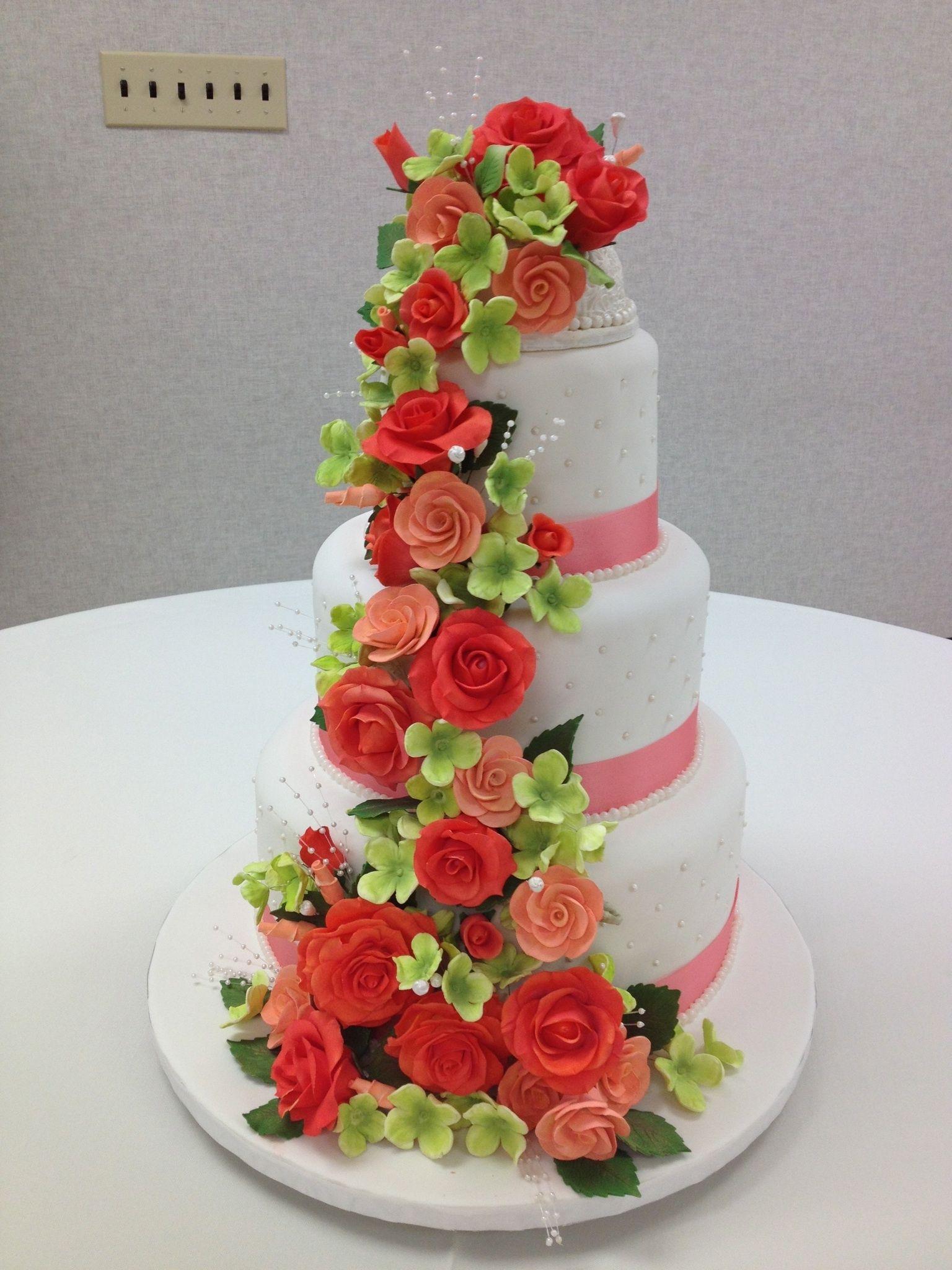Доставка, как выкладывать каскадом цветы на торт