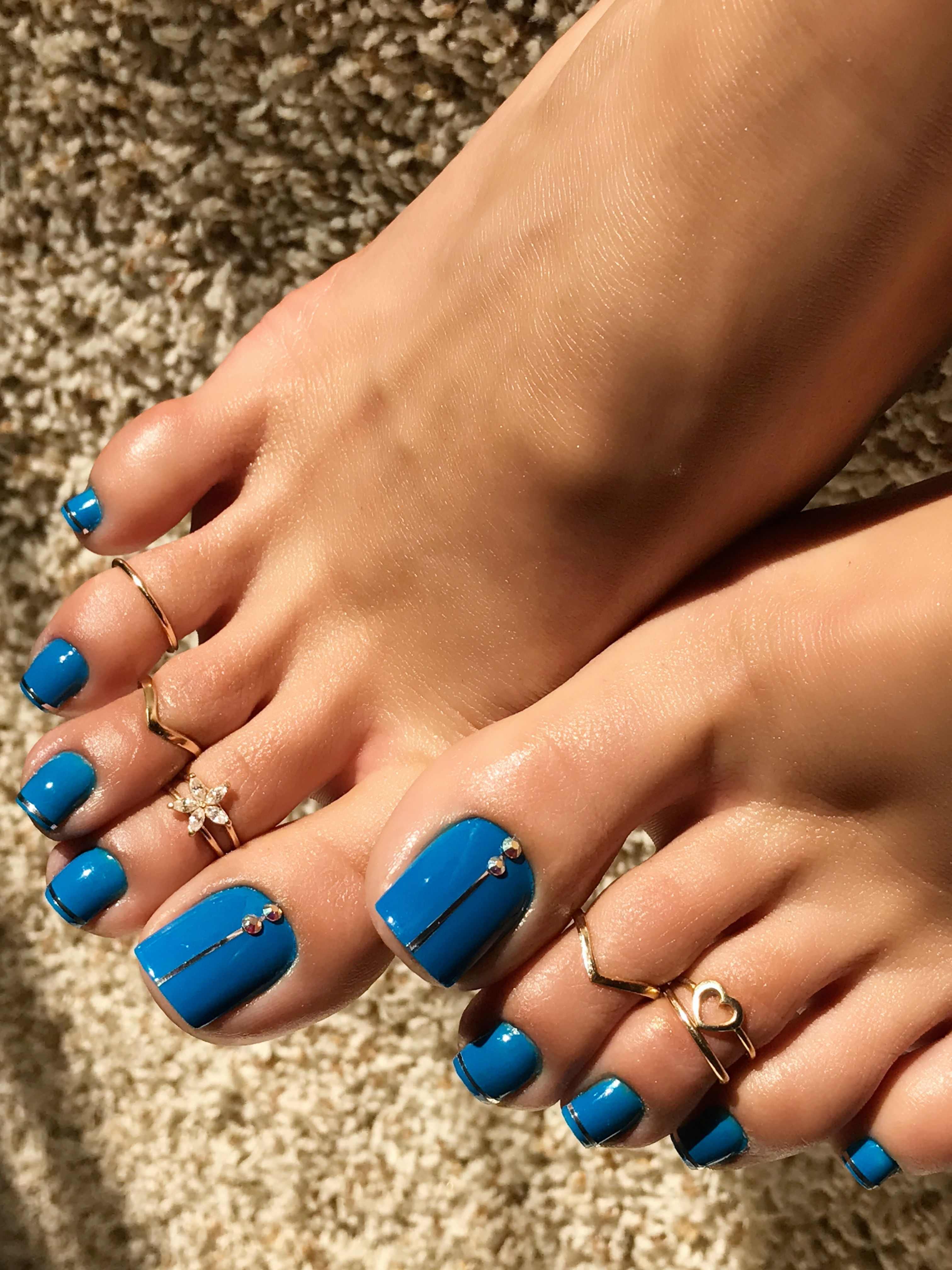 Beautiful Blue Nail Polish By Essie Make Some Noise Pretty Toe