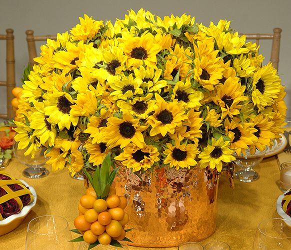 Sunflower Centerpieces For Late Summer Picnic
