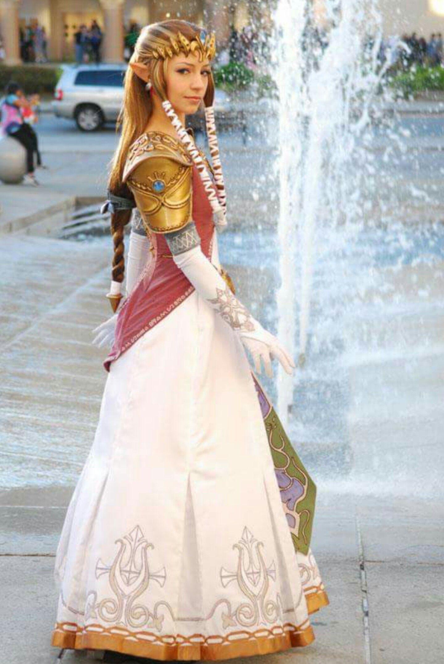 Princess Zelda from Twilight Princess Cosplay by