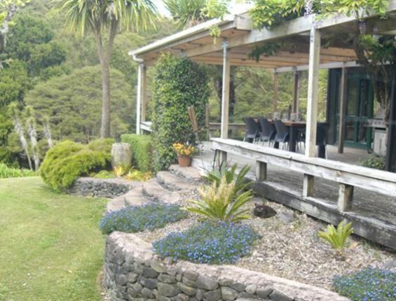 Jan McGowan - ProfAccredGDSNZ | The Garden Design Society ...