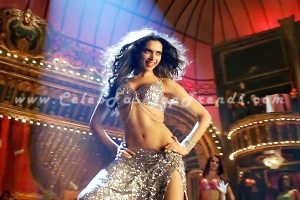 Did Deepika Padukone Act With Jyothika In A South Indian: Deepika Padukone Dress In Happy New Year