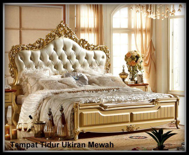 Tempat Tidur Ukir