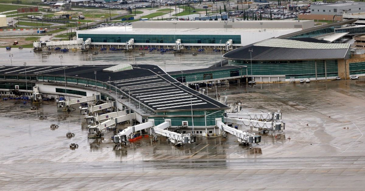 Houston airports plan to resume limited operations