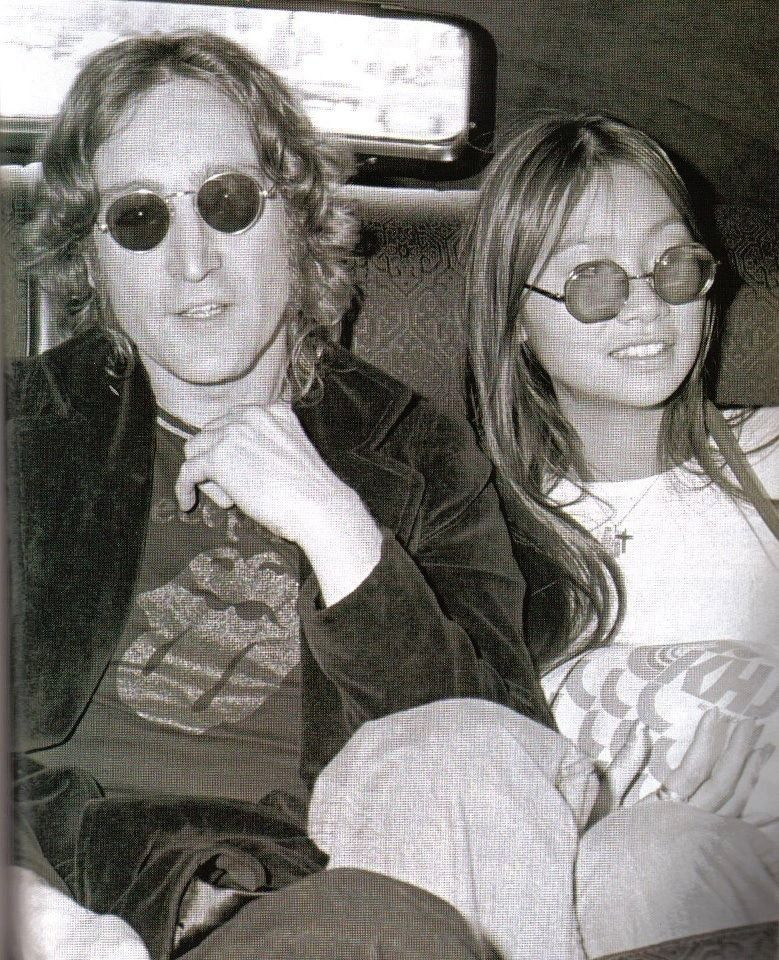 John And May With Images John Lennon Beatles Beatles John John Lennon Yoko Ono