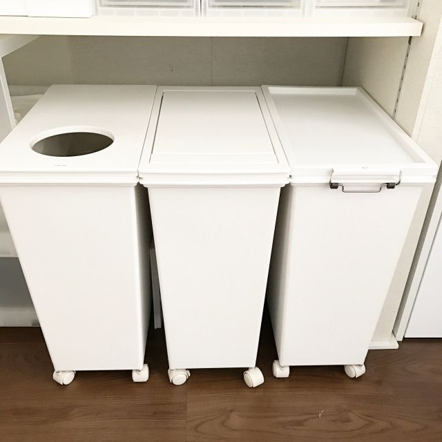 キッチン 背面収納 ゴミ箱 リクシルのカップボード 炊飯器 などの